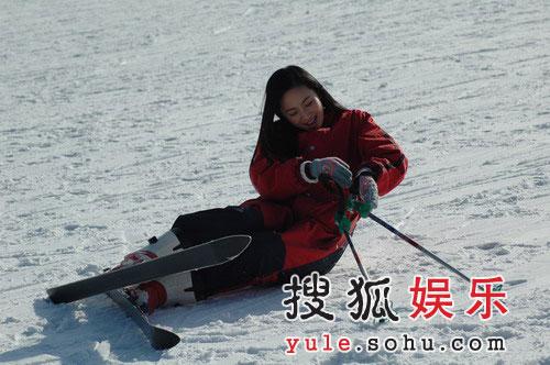 倔强小公主徐筠屡摔屡滑 工作人员都战战兢兢