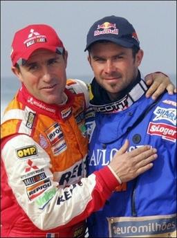 图文:2007达喀尔拉力赛落幕 胜利者的拥抱