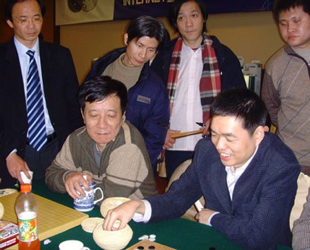 图文:三星杯决赛常昊VS李昌镐 马晓春在观战室