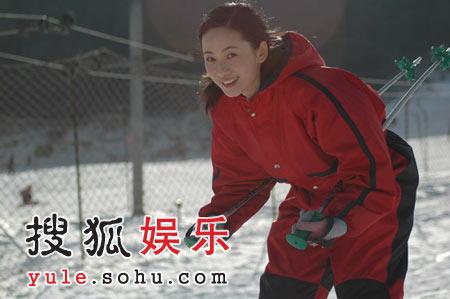 """《蝶变》片场徐筠无照驾驶 数度""""报复""""摄影师"""