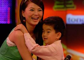 《快乐宝贝》第一期:可爱宝贝逗乐陈浩民(图)