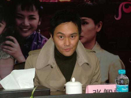 张智霖深圳宣传《红粉》 谈到儿子异常开心(图)