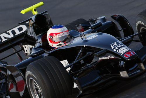 图文:本田发布新车RA107 巴里切罗进行测试