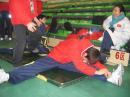 图文:短道比赛在即中国队热身 队员刻苦训练