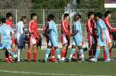 图文:国奥0-0马赛  双方队员致意