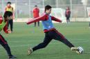 图文:国奥技战术训练课 陈涛在训练中