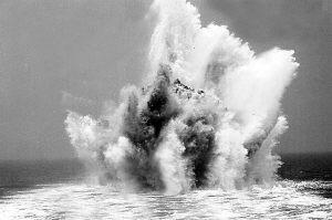海军官兵驾新型扫雷舰探索新战法 模拟实战(图)