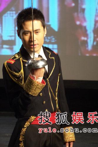 预告:黄征自带吉他31日下午15点做客搜狐聊天