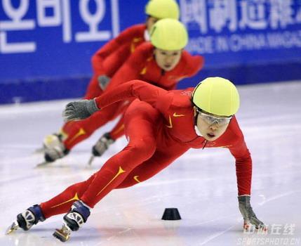 短道速滑女子500米 中国揽前三王濛夺冠破纪录