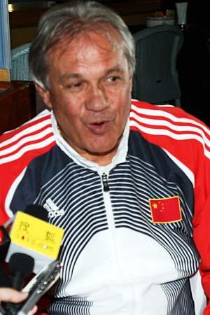 裁判曾威胁要终止比赛 杜伊批评马赛