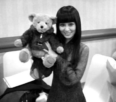 林心如生日收大礼 粉丝4万元拍得小熊送偶像