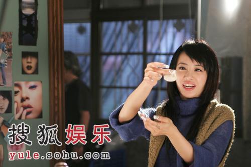 蔡依林玩烟火奉上爱心餐 变身乡村女教师(图)
