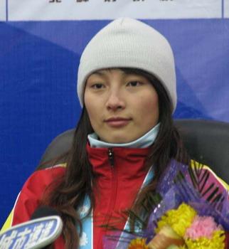 图文:亚冬会 李妮娜获得金牌