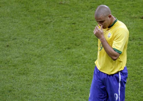 图文:罗纳尔多世界杯生涯 遗憾告别德国世界杯