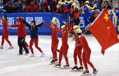 港澳媒体盛赞中国短道速滑队 冠军称号实至名归