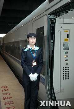 国产高速列车广深线运营 记者亲身体验(组图)