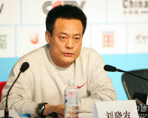 图文:亚冬会赛中新闻发布会 刘晓农回答提问