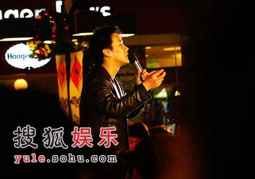 张志林《没有情人的情人节》叫板15年前孟庭苇