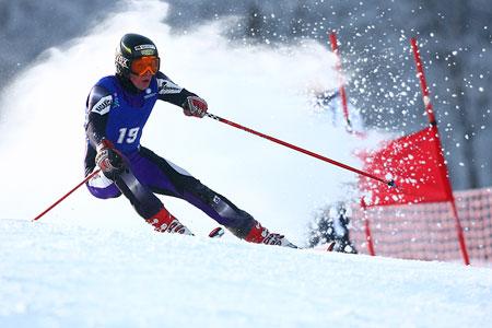 图文:高山滑雪大回转 19号塔拉斯