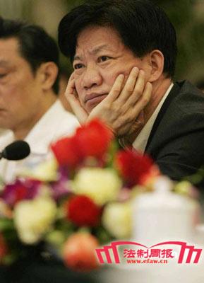 郑筱萸卸任一年半后遭双规 审批灰链绊倒众高官