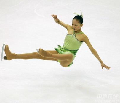 图文:花样滑冰女子单人滑 崔智恩旋转木马