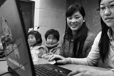 深山女教师携学生游郑州 自觉学浅想要充电(图)