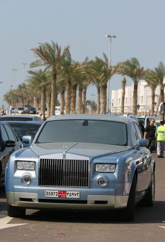 图文:阿联酋将在09年举办F1 劳斯莱斯轿车