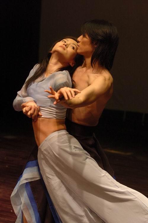 图:现代舞《惊梦—牡丹亭新记》剧照—13