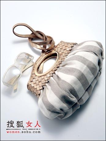新品:手袋温情 入流款式人气选