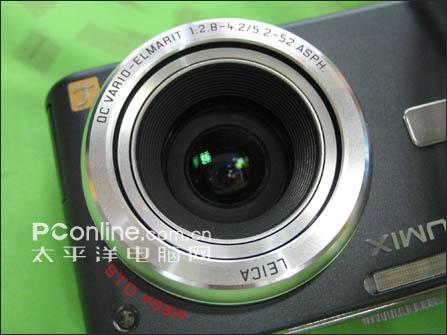 松下 DMC-TZ1镜头采用了折叠设计
