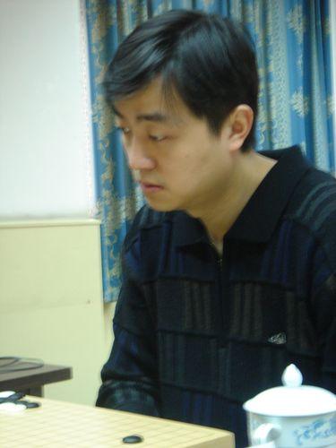 图文:第21届围棋天元赛 刘世振将争夺挑战权