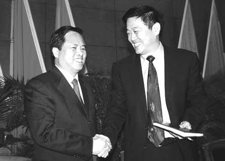 刘赐贵当选厦门代市长 免去张昌平市长职务(图)