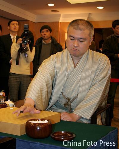 图文:第八届农心杯第11局 依田纪基对阵朴永训