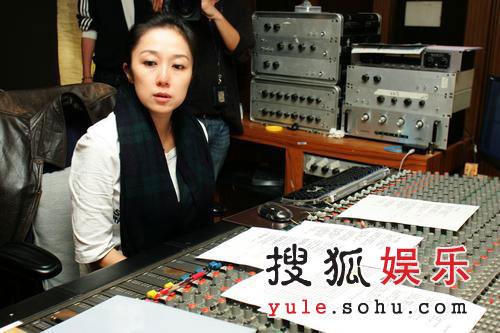 黄韵玲制作歌曲纪念许玮伦 王心凌等诚挚录音
