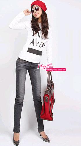 服装:黑色牛仔裤 超级型搭(4款)