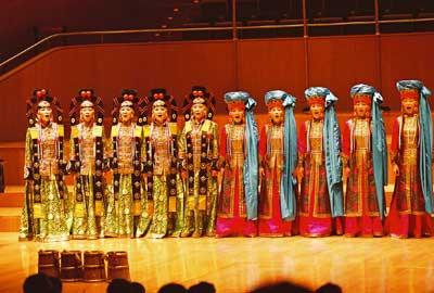 蒙古合唱团带来呼麦、长调和马头琴三大法宝