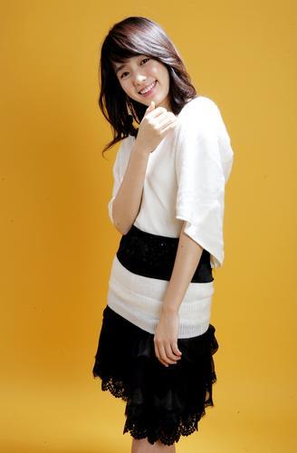 组图:微笑公主韩孝珠写真 青春靓丽温暖动人