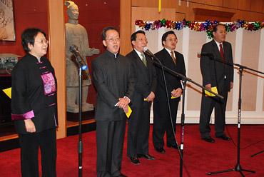 中国常驻联合国代表团办华侨华人春节晚会(图)