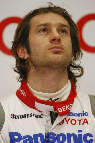 图文:赫雷斯赛道试车第三日 特鲁利观看成绩