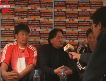 图文:国足三教头做客搜狐 朱广沪谈亚洲杯备战