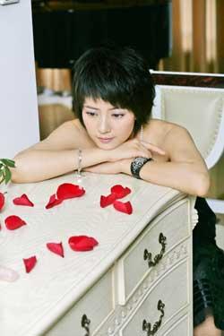 高圆圆情人节推出电子杂志 说自己的爱情故事