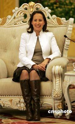 法国女总统候选人公布竞选宣言 内容达百项(图)
