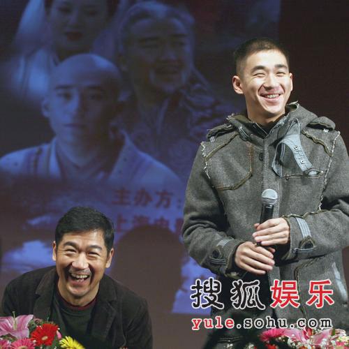 张默单飞张国立放心 父子为《济公新传》宣传
