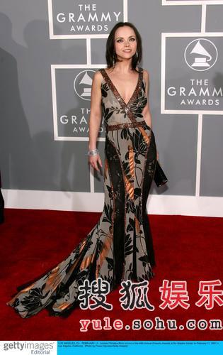 图:女星克里斯蒂娜·里奇时尚华美亮相红毯