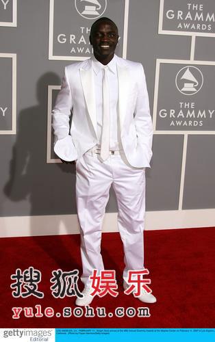 图:大热歌手Akon亮相 专辑大卖春风得意
