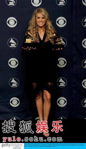 图:凯莉·安德伍德获最佳乡村女歌手奖项