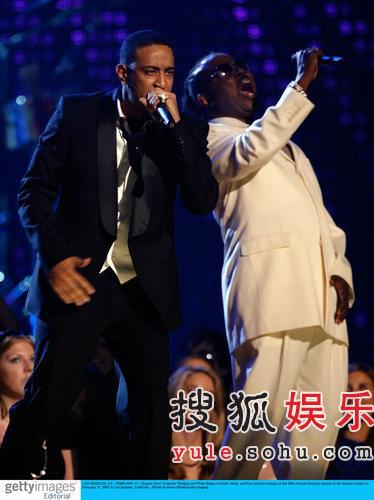 图:Philip Bailey与饶舌歌手Ludacris合唱