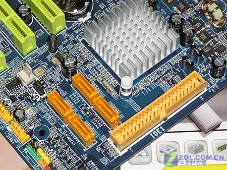映泰TForce 945P SE磁盘接口