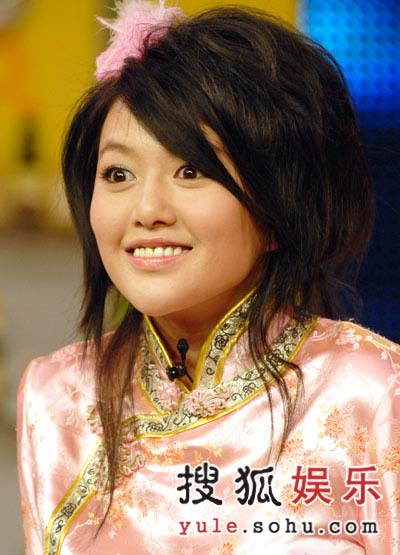 06超女谭维维气势夺人 对手李锐怪招频出(图)