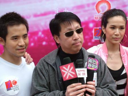 """张茜现身""""至爱双子""""终极大PK 望有个另类婚礼"""